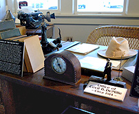 Replica DeMille Office Lasy-DeMille Barn Studio museum photo